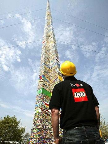 lego-архитектура: башня в 30 метров